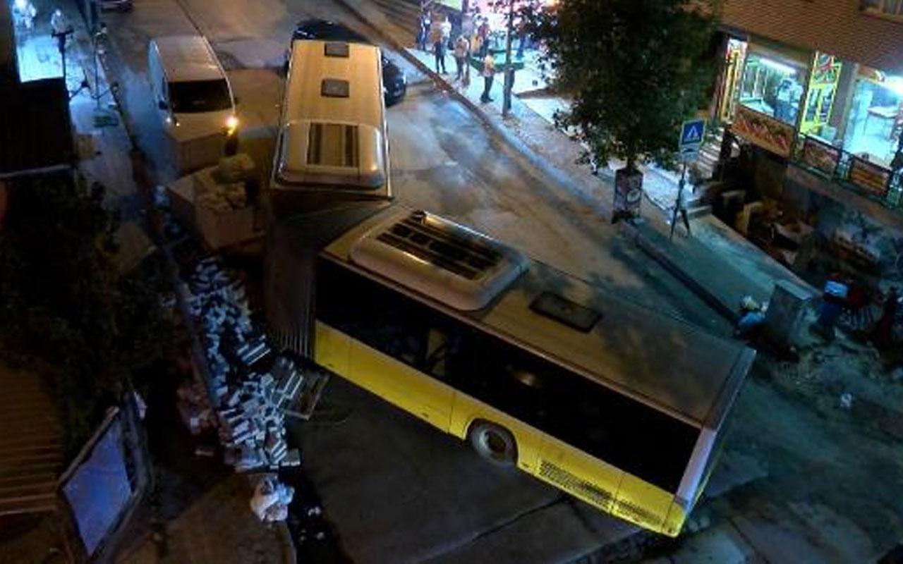Sultangazi'de dehşet anları! İETT otobüsü ortadan ayrıldı