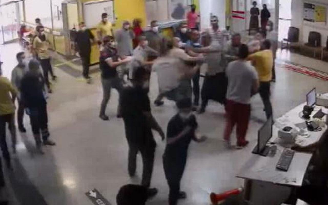 Siverek'te yaralı yakınları acil serviste görevlilere saldırdı: 5 yaralı