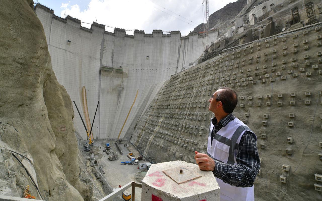 Yusufeli Barajı'nın yapımında son 50 metre Eyfel Kulesi'nden 25 metre kısa