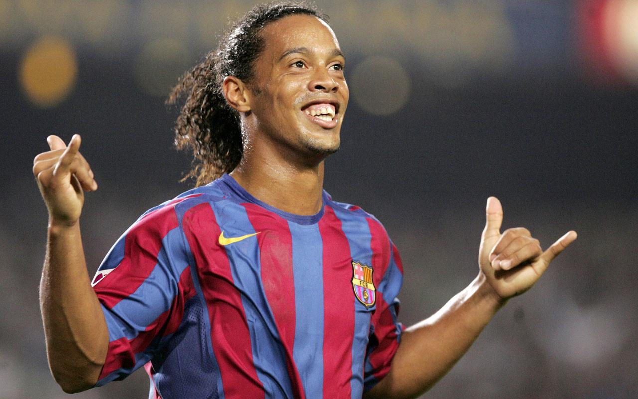 Ronaldinho ev hapsinde de rahat durmuyor! Kaldığı otele...