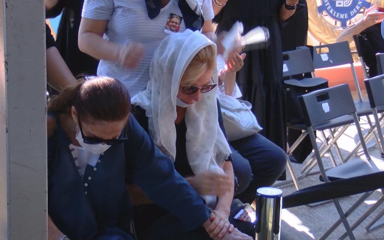 Hümeyra ayakta duramadı! Oğlu Sadık Bigat'ın cenazesinde eşi yıkıldı