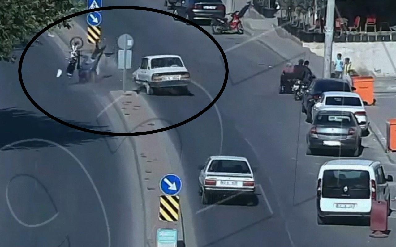Şanlıurfa'da kazada metrelerce fırlayan şahıs hiçbir şey olmamış gibi kalkıp yürüdü