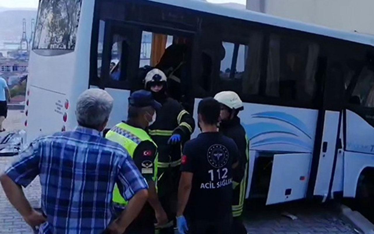 Son dakika Kocaeli'de askerleri taşıyan minübüs kaza yaptı!