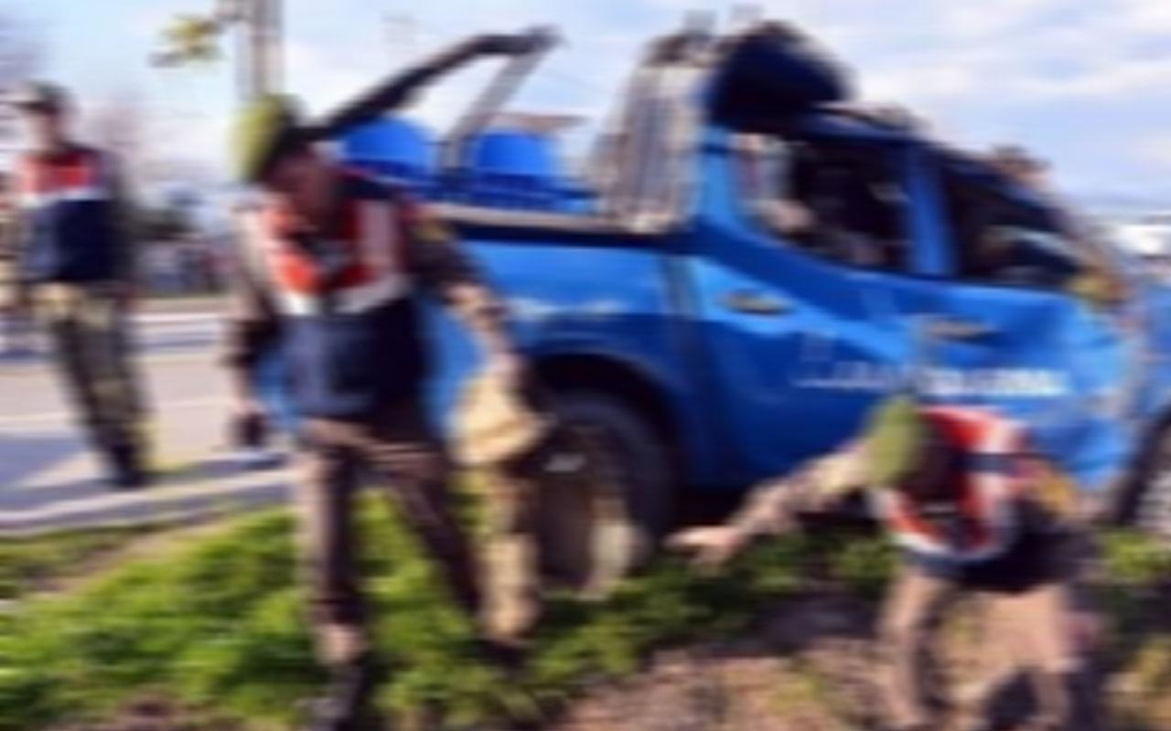 Balıkesir'de feci kaza! Otomobille çarpışan araçtaki 3 asker yaralandı