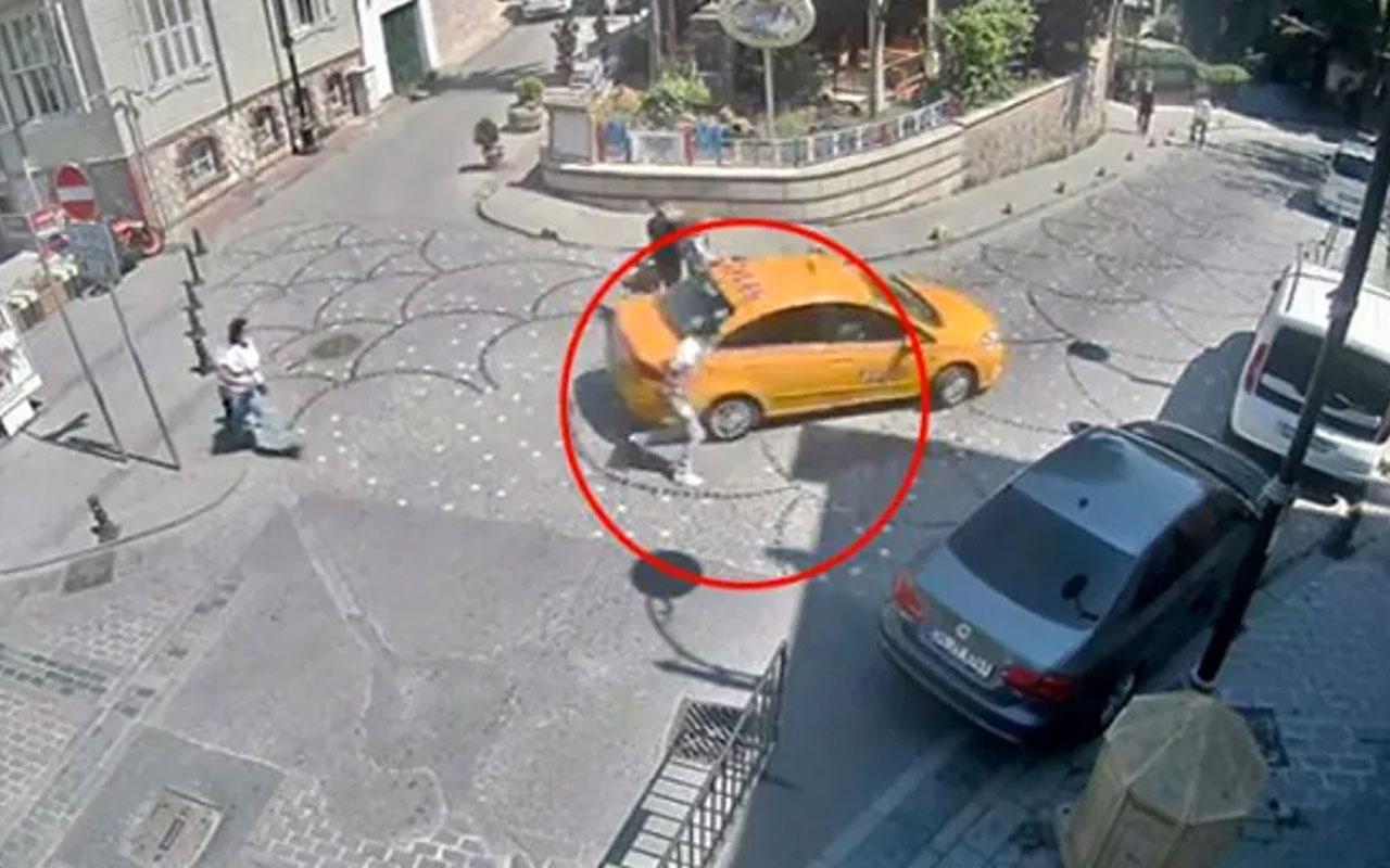 Hırsız taksici! İstanbul'da taksici, turistin unuttuğu cep telefonunu çalıp kaçtı