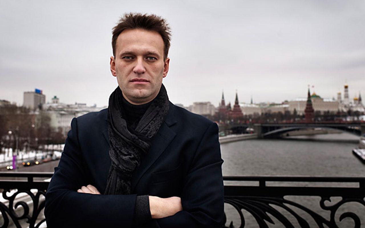 Rusya'da muhalif lider Navalny fenalaşarak hastaneye kaldırıldı