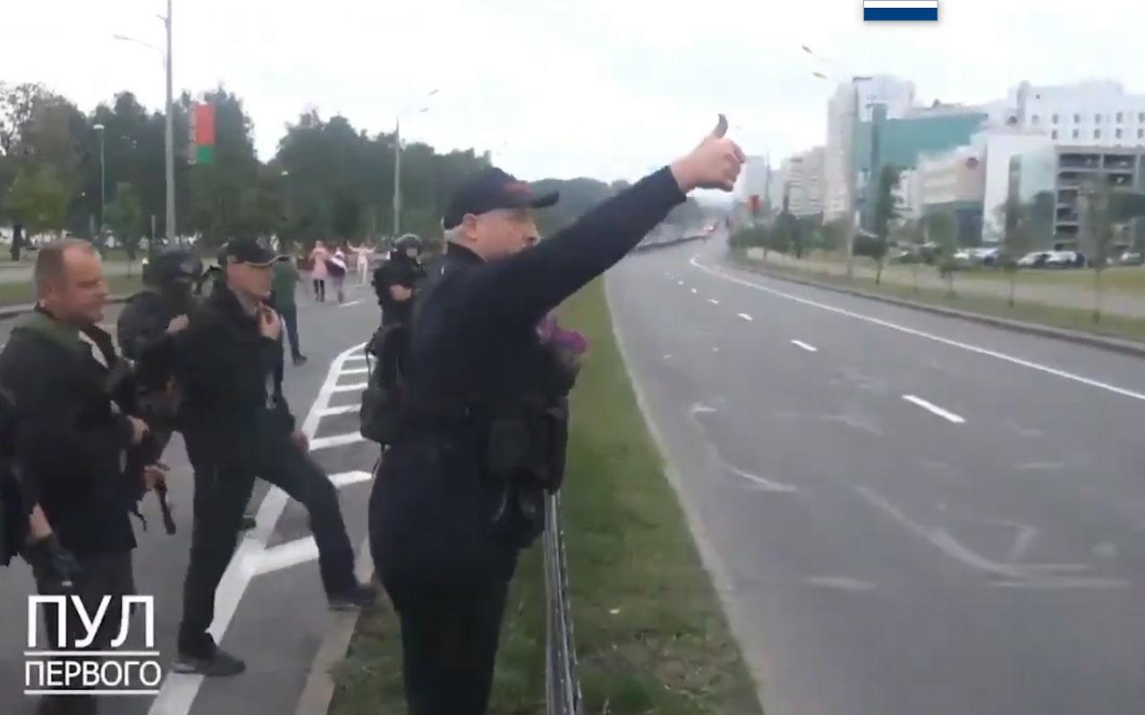 Belarus'ta tansiyon yükseliyor! Lukaşenko silahlandı