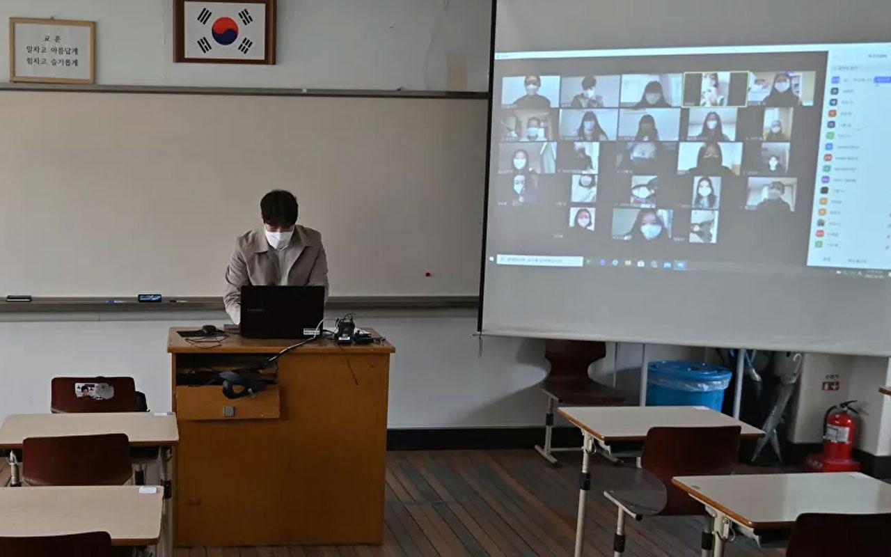 Güney Kore, artan koronavirüs vakaları nedeniyle okulları yeniden tatil edildi