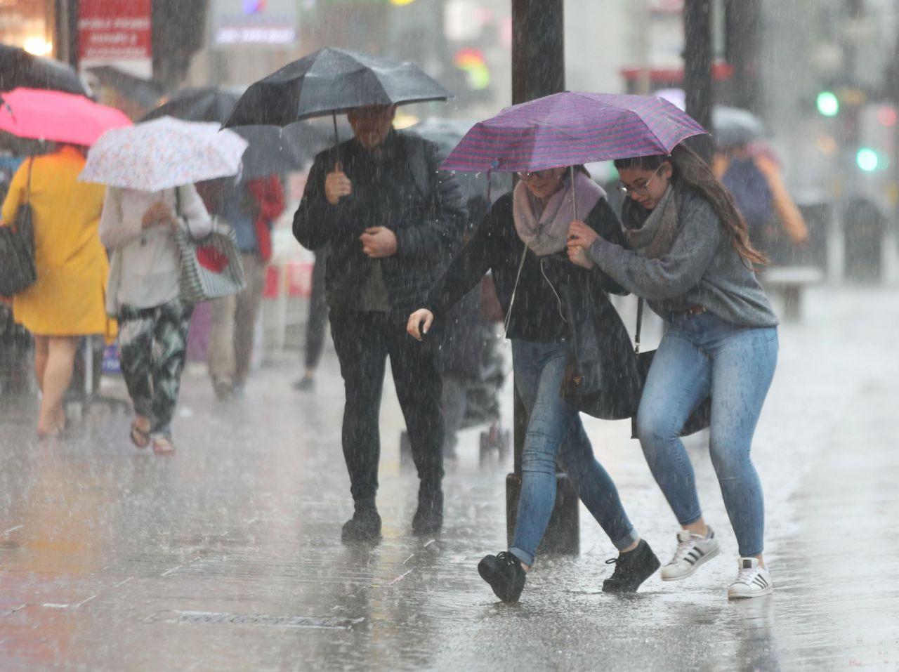 Meteoroloji duyurdu Marmara bölgesinde gök gürültülü sağanak beklentisi