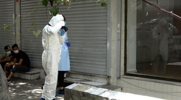 Olay yeri İstanbul! Gece hastanede test yaptıran 18 yaşındaki genç evinde öldü