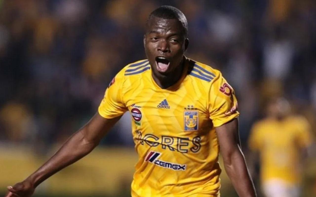 Fenerbahçe, Ekvadorlu golcü Enner Valencia'yı renklerine bağladı