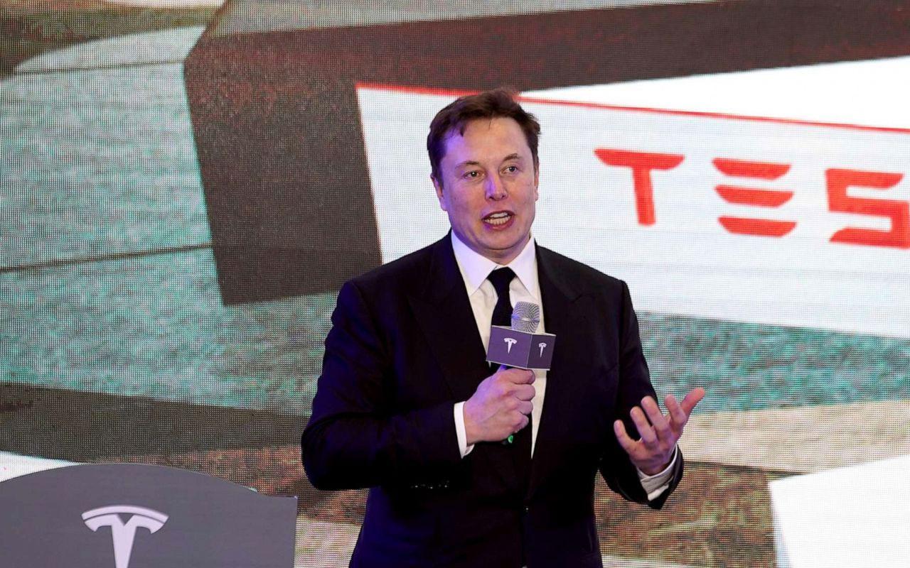 Elon Musk Neuralink çipini tanıttı! İnsan beynine takılacak