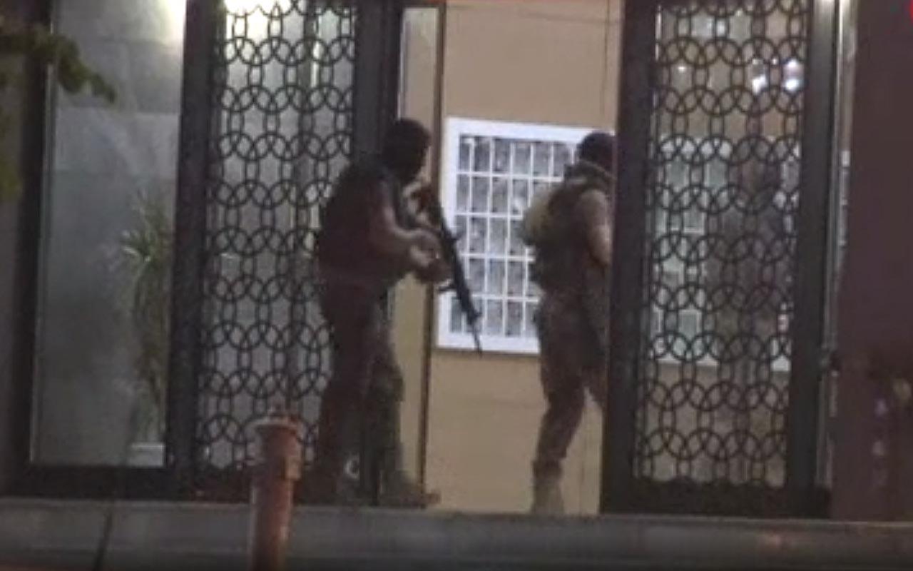 Başakşehir'de şüpheli şahıs polisi harekete geçirdi etrafa ateş açarak binaya saklandı