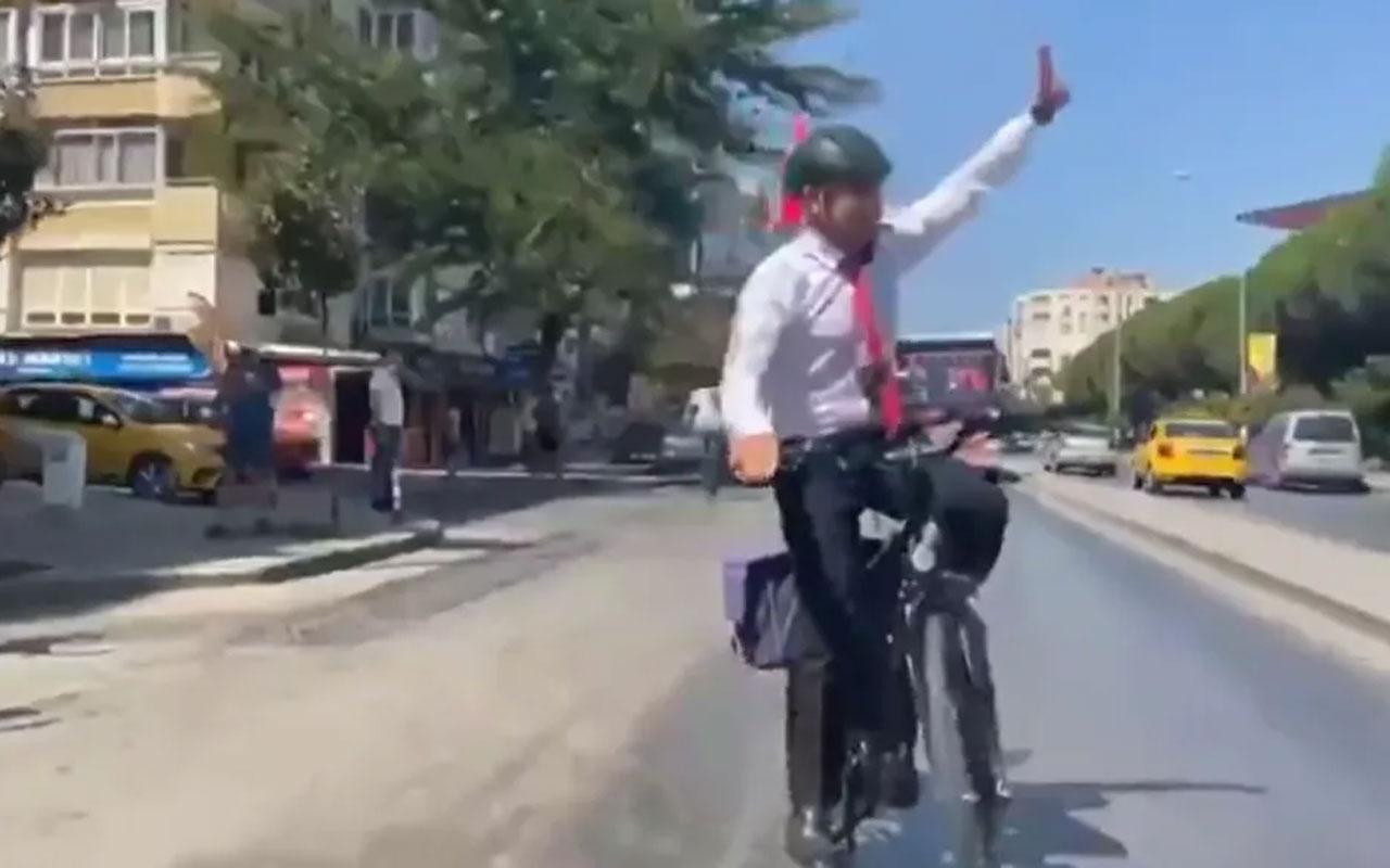 İzmir Belediye Başkanı Soyer, bisikletle 'Zafer Turu' düzenledi