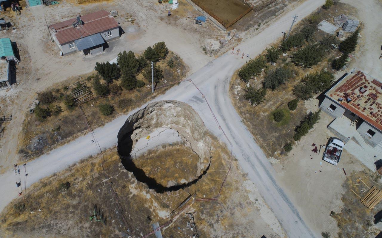 Obruklar evlere yaklaştı mahalleli tedirgin Konya'da böylesi bir ilk