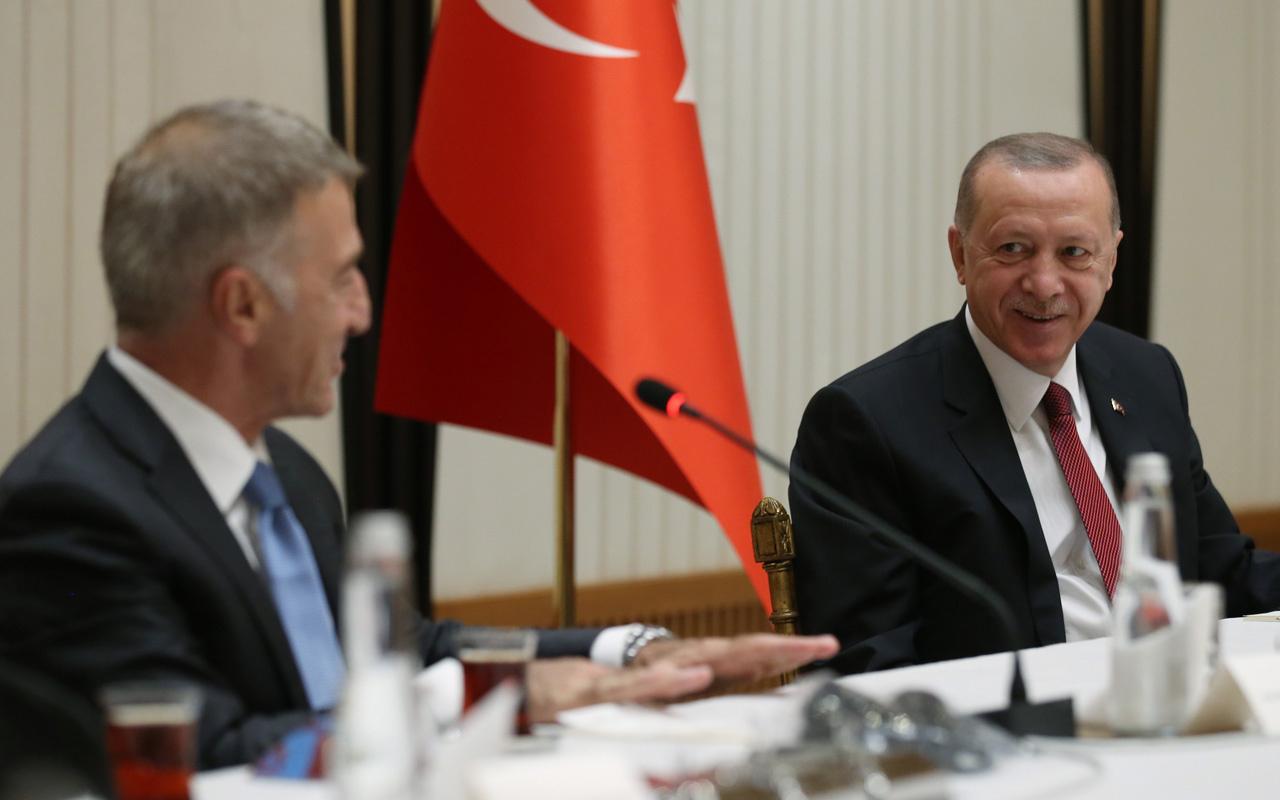 Cumhurbaşkanı Erdoğan Trabzonspor yönetimi ve futbolcularını kabul etti