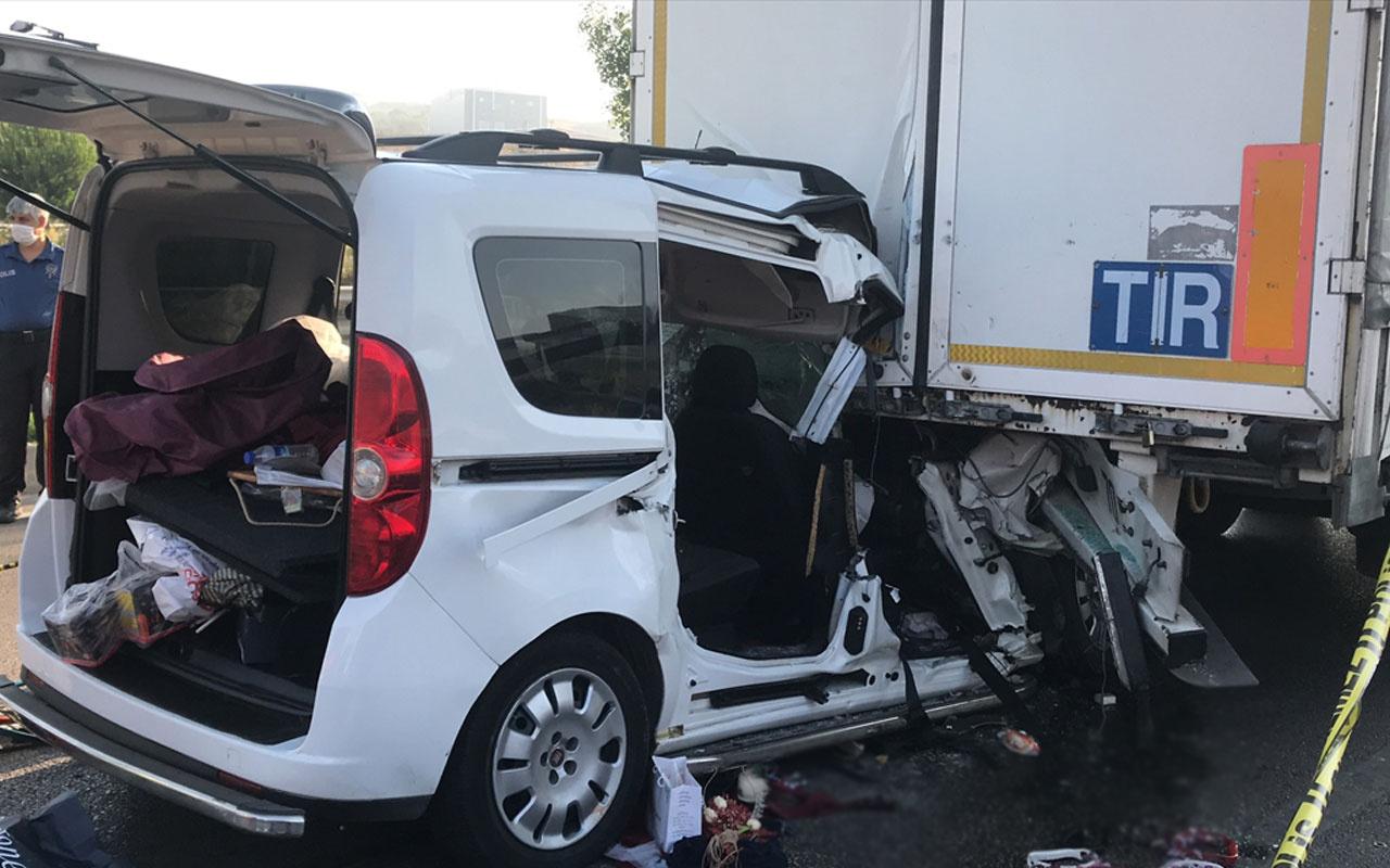 TIR'a arkadan çarptı! Düğün hazırlığı yapan çifti trafik kazası ayırdı