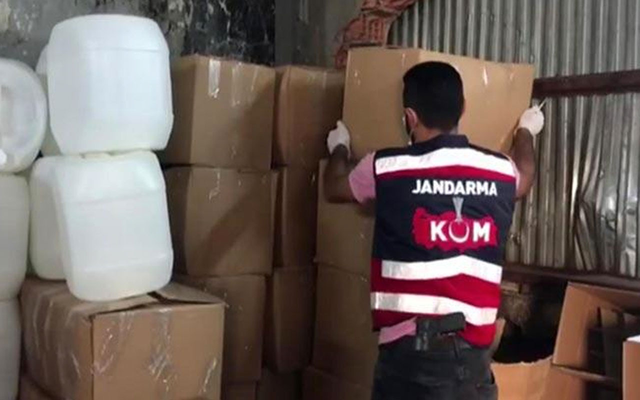 İstanbul'da dev operasyon! 7 bin 220 litre sahte içki ele geçirildi