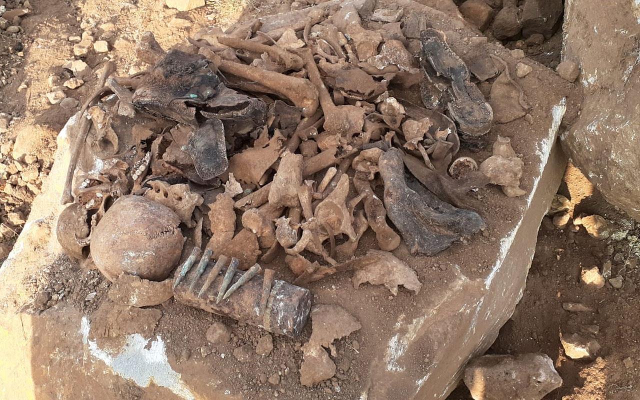 Kars'ta atık su kanalı kazısında bulundu! İnsan kemikleri, mermi ve çürümüş çarıklar...