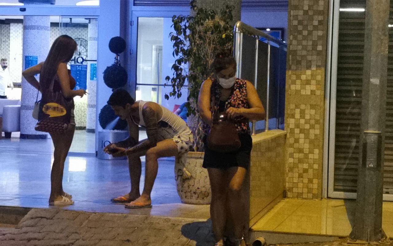 Marmaris'te ruhsatsız otel mühürlendi turistler başka otellere yerleştirildi