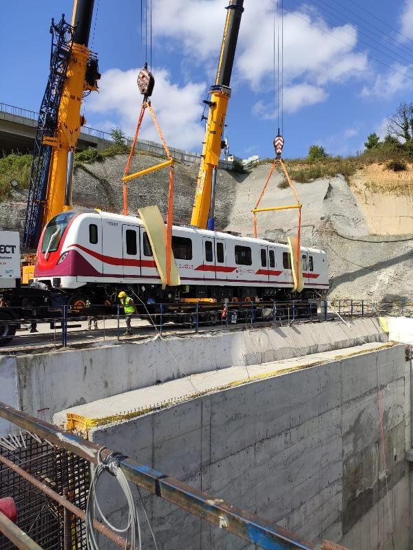 Gayrettepe-İstanbul Havalimanı Metrosu'nda ilk tren seti raylara indi