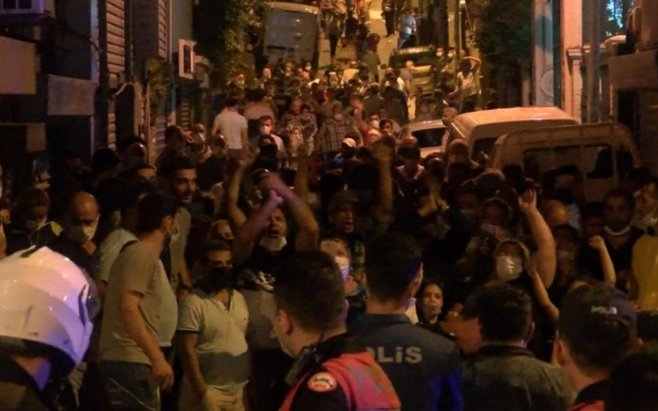 Beyoğlu'nda Pazarcılar yolu kapatıp eylem yaptı