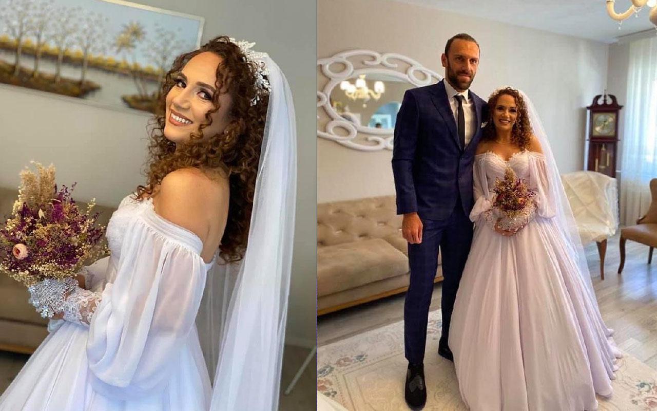Vedat Muriç kız kardeşini evlendirdi