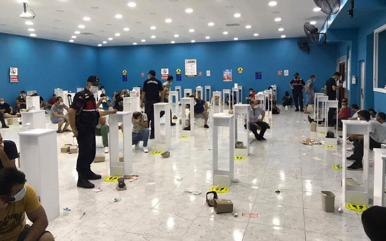 Mersin'de 'sosyal mesafeli' kumara baskın! 112 kişi yakalandı