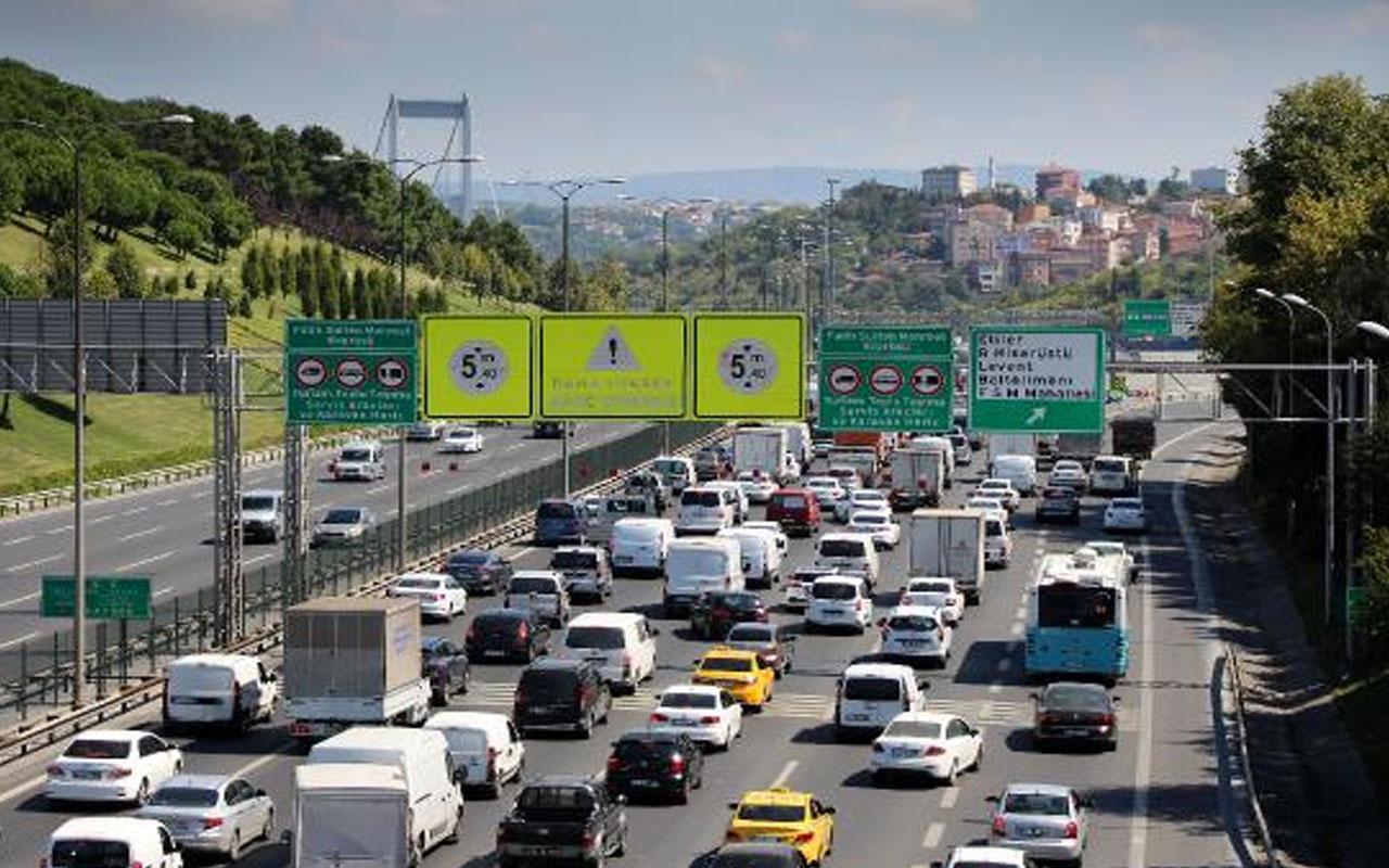 FSM Köprüsü'nde intihar girişimi! TEM'de trafik kilit