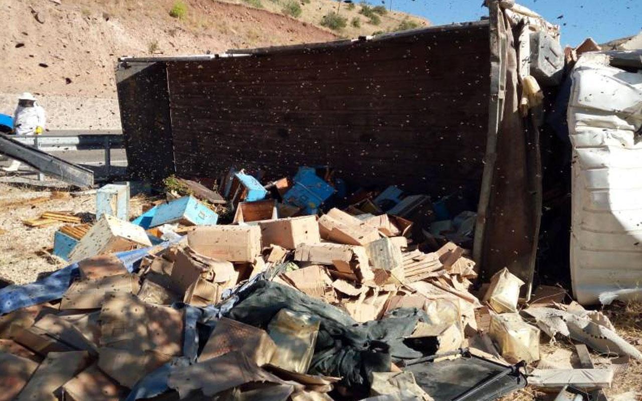Malatya'da arı kovanı yüklü kamyon devrildi: 3 ölü