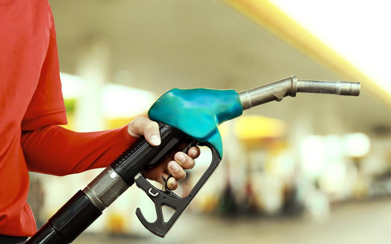 Motorin fiyatlarına 21 kuruş indirim! İstanbul'da litresi 6 liranın altına indi