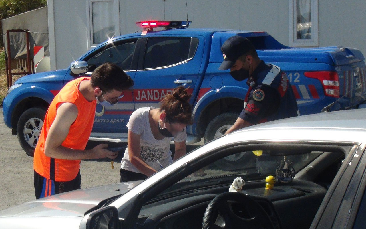 Koronavirüslü kadın Antalya yolunda tatile giderken yakalandı