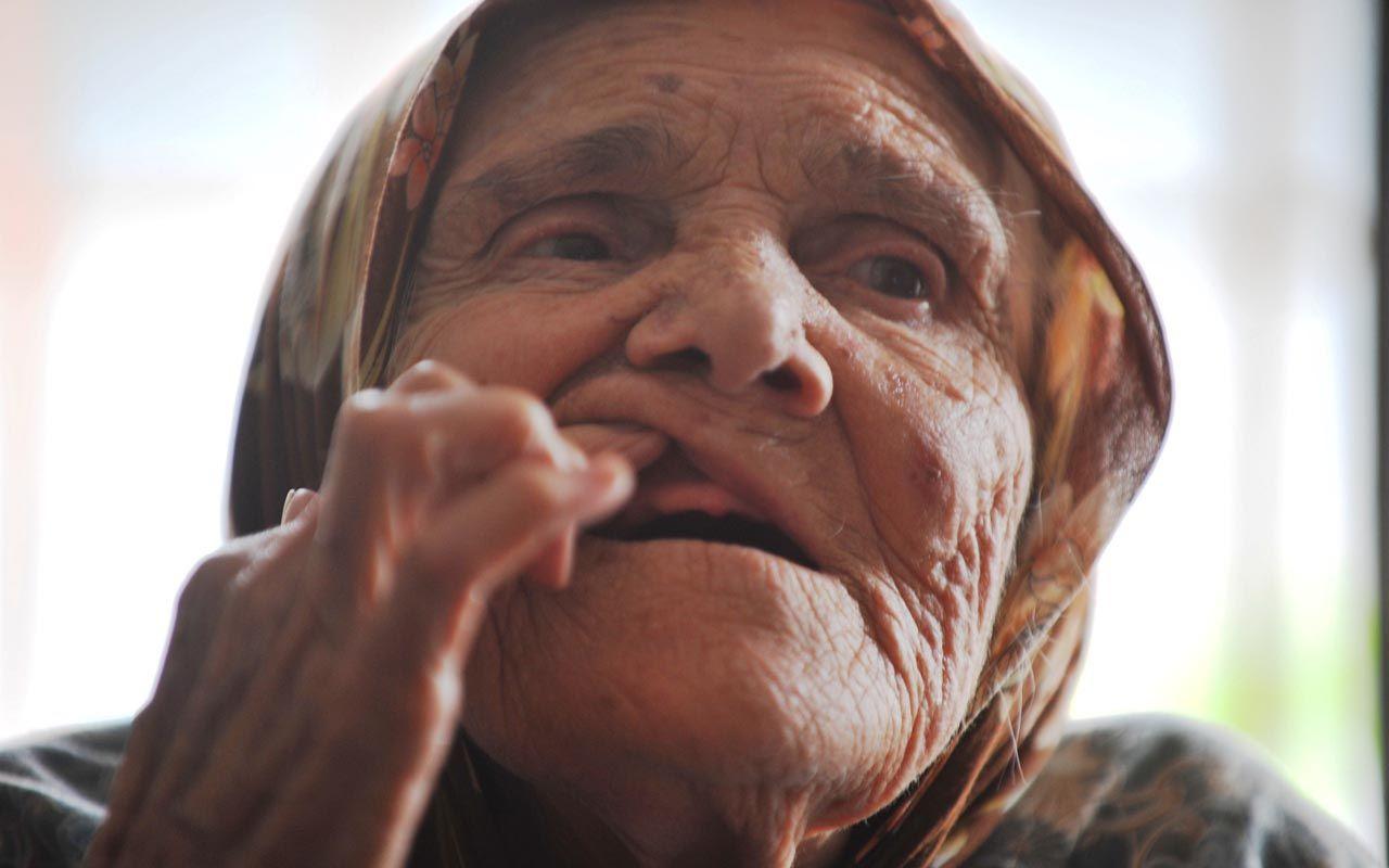 Bursa'da 85 yaşındaki Hatice ninenin ağzındaki altın dişleri çaldılar