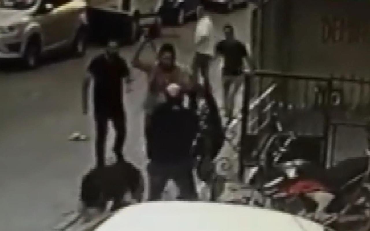 İstanbul Çekmeköy'de bıçaklı sopalı kavga kamerada