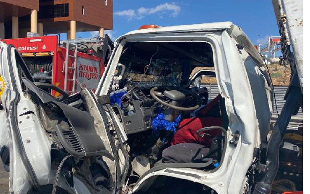 İstanbul'da feci kaza! 5 araç birbirine girdi