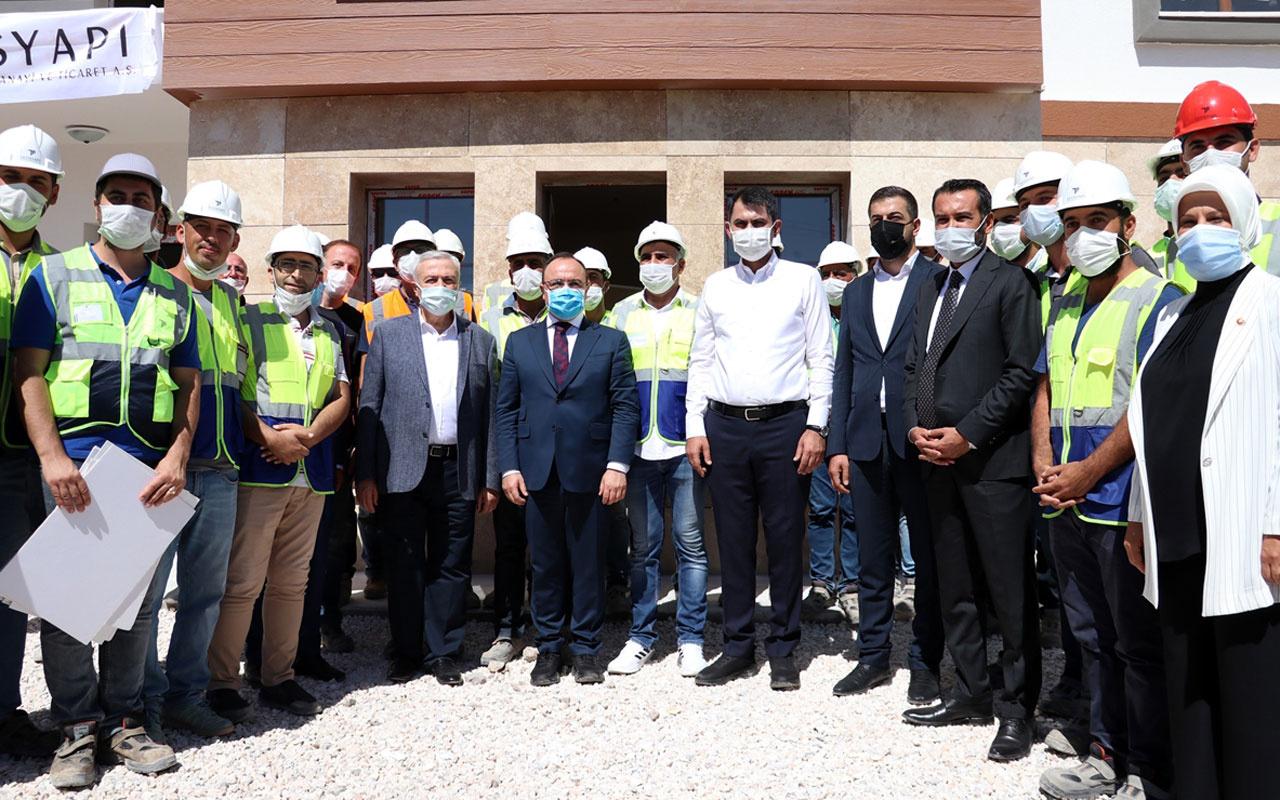 Bakan Murat Kurum Elazığ'da depremzedeler için inşası süren konutları inceledi