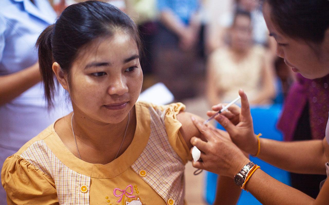 Çin'in koronavirüs aşısı fena patladı! Aşı olan kadın Covit-19 yakalandı
