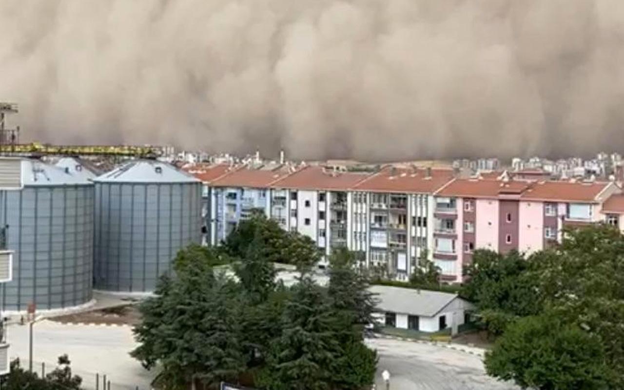 Ankara Polatlı ilçesini devasa toz bulutu kapladı o anlar kamerada