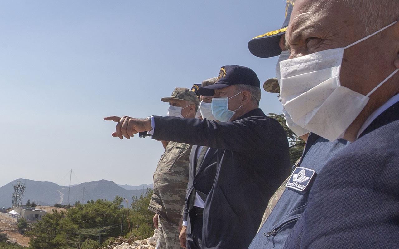 """Hulusi Akar Yunanistan'ın silah ve asker oyunun işaret edip """"Bunlar tahrik değilse ne? diye sordu"""