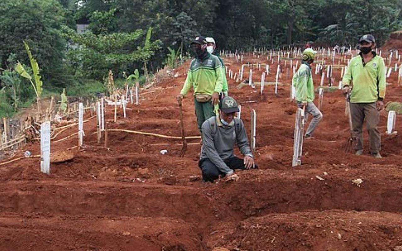 Endonezya'da maske takmayanlara mezar kazma cezası verilecek