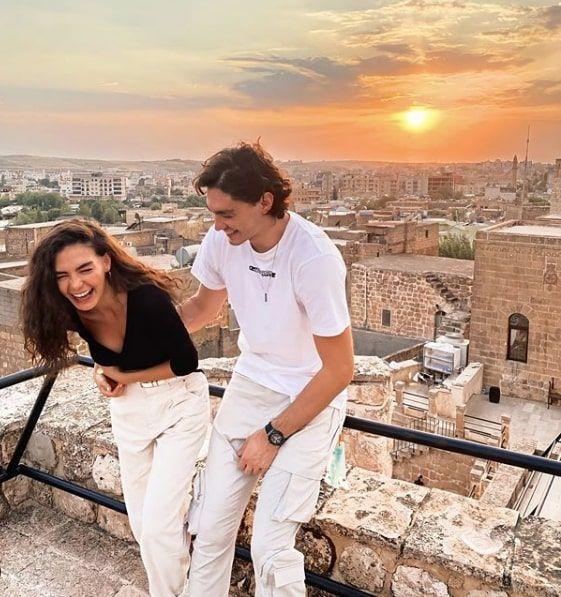 ABD'den ATV Hercai dizisinin çekildiği Mardin'e Cedi Osman Ebru Şahin için geldi