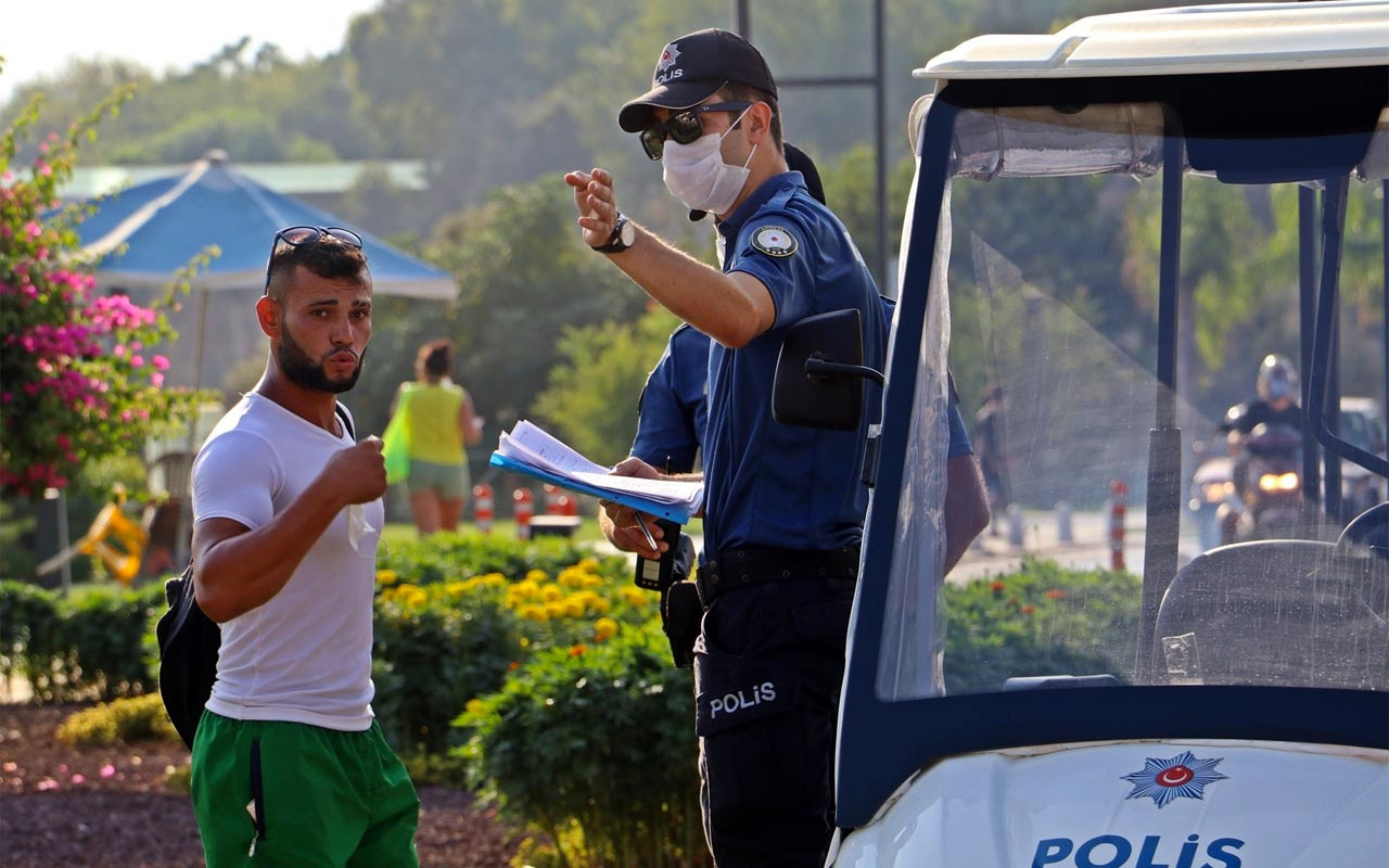 Antalya'da maske takmayanların 'tam marketten alıyordum' bahanesi cezayı önleyemedi