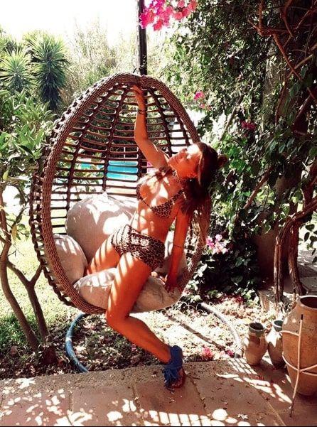 Yonca Evcimik bikinili pozlarıyla yeni yaşını kutladı '57 kere maşallahınızı alırım'