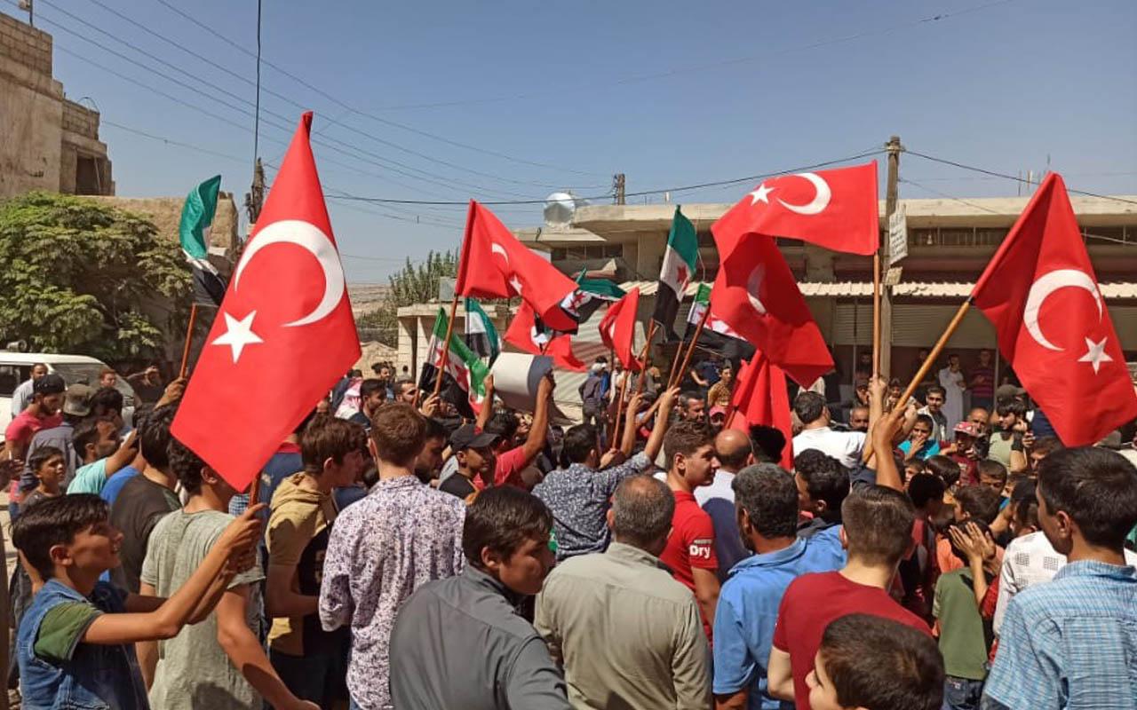Suriye İdlib'te siviller rejim karşıtı protesto düzenledi