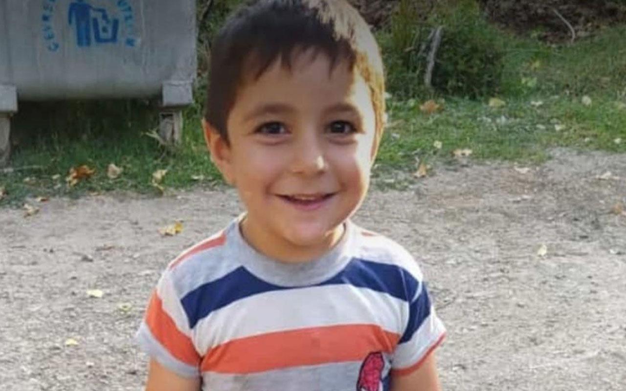 Şırnak'ta 4 yaşındaki Davut aniden yola atlayınca minibüsün altında kaldı