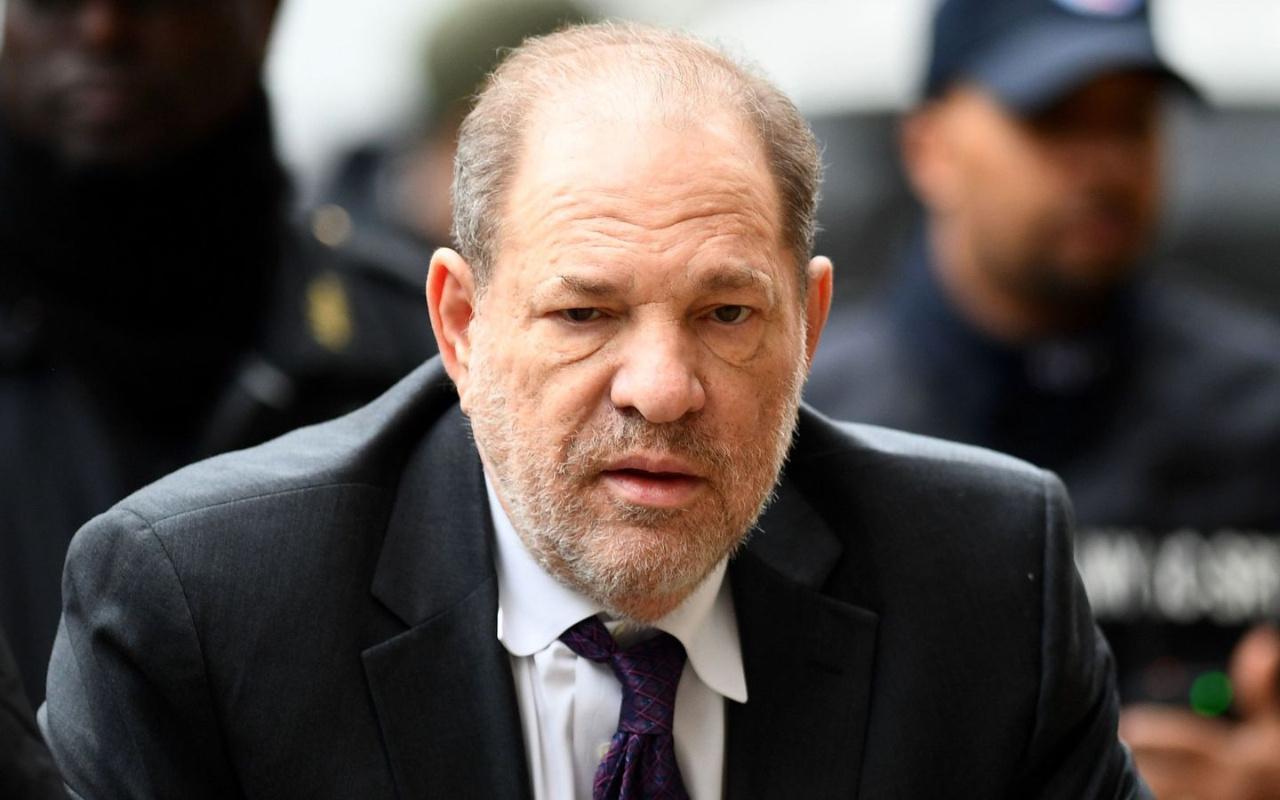 İngiltere Kraliçesi, Harvey Weinstein'a verdiği nişanı iptal etti