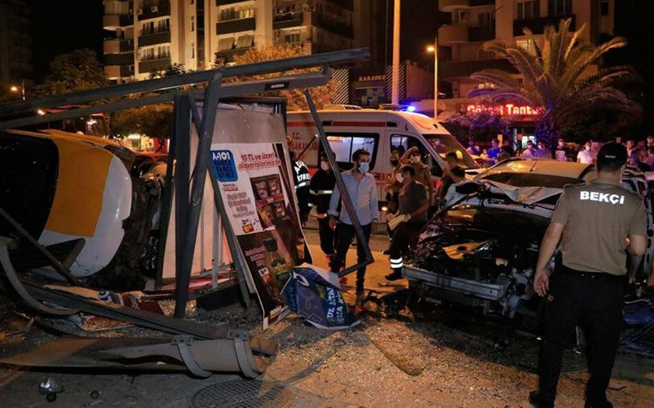 Adana'da zincirleme kaza: 2'si ağır 6 yaralı