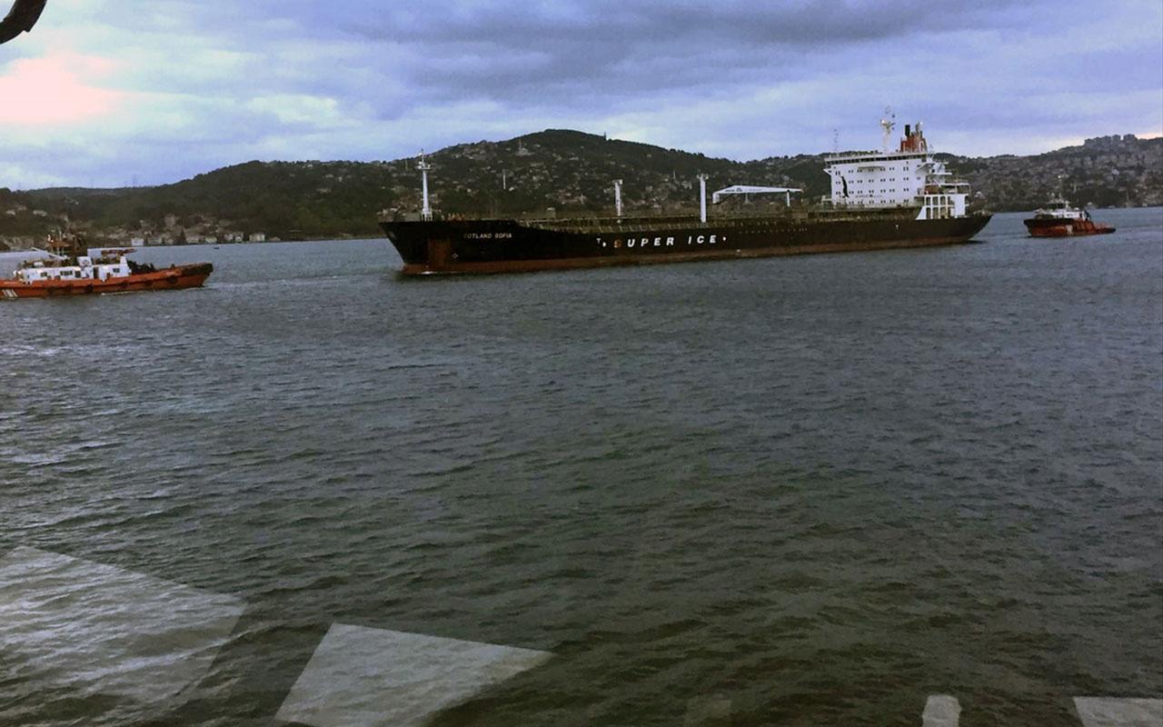İstanbul Boğazı'nda makine arızası nedeniyle sürüklenen tanker kurtarıldı