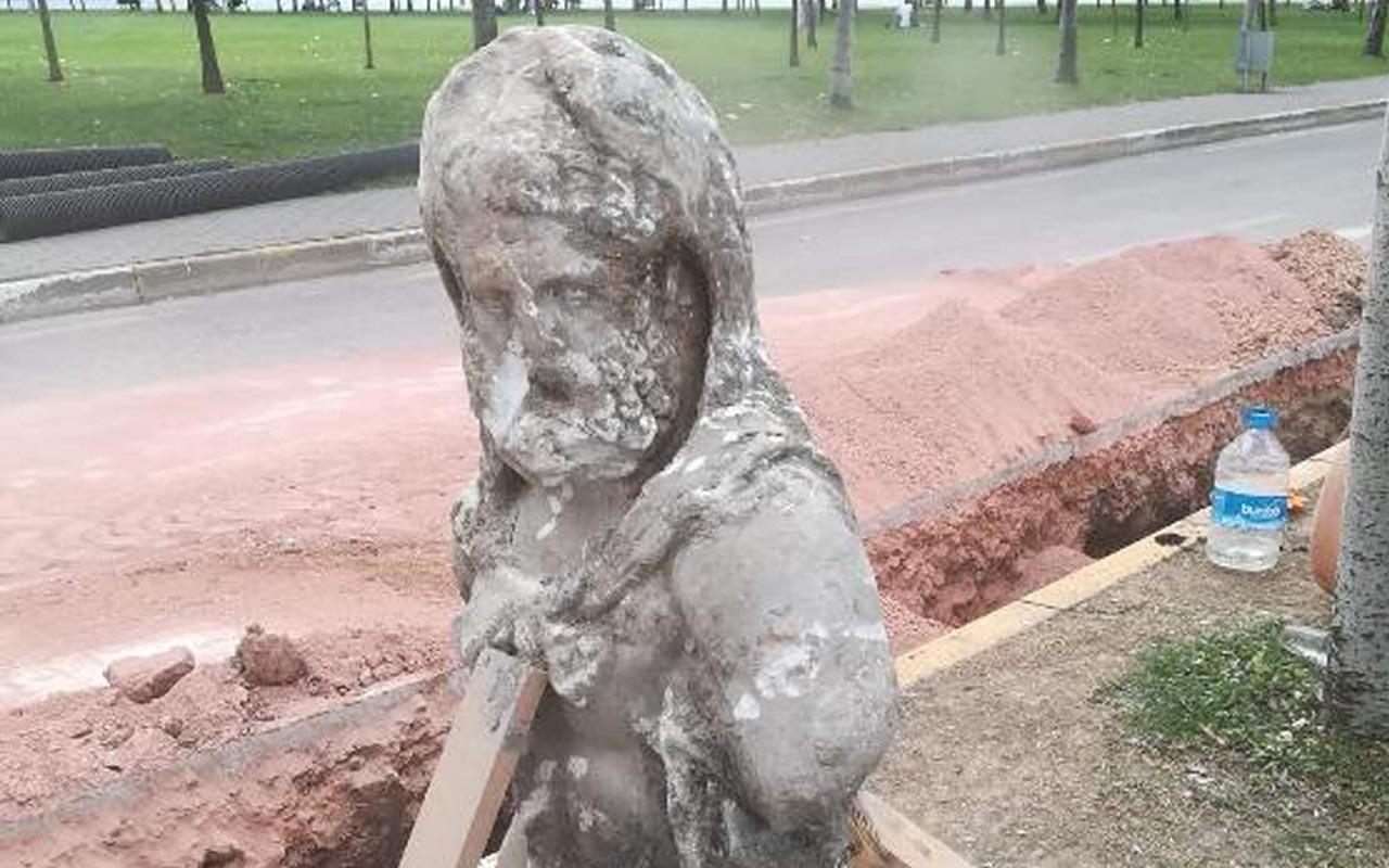 İzmit'te yol kazısında Roma dönemine ait olduğu düşünülen heykel bulundu