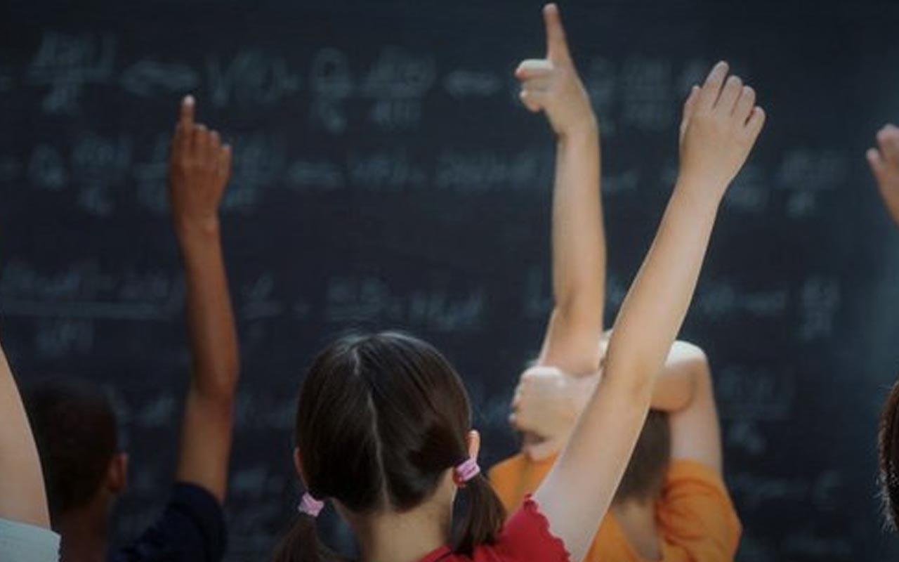 Matematik öğretmeni, kız öğrencisini döverek öldürdü! Çin'de skandal olay